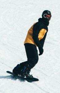Afbeelding van Snowboard Freestyle Indy Grab landing
