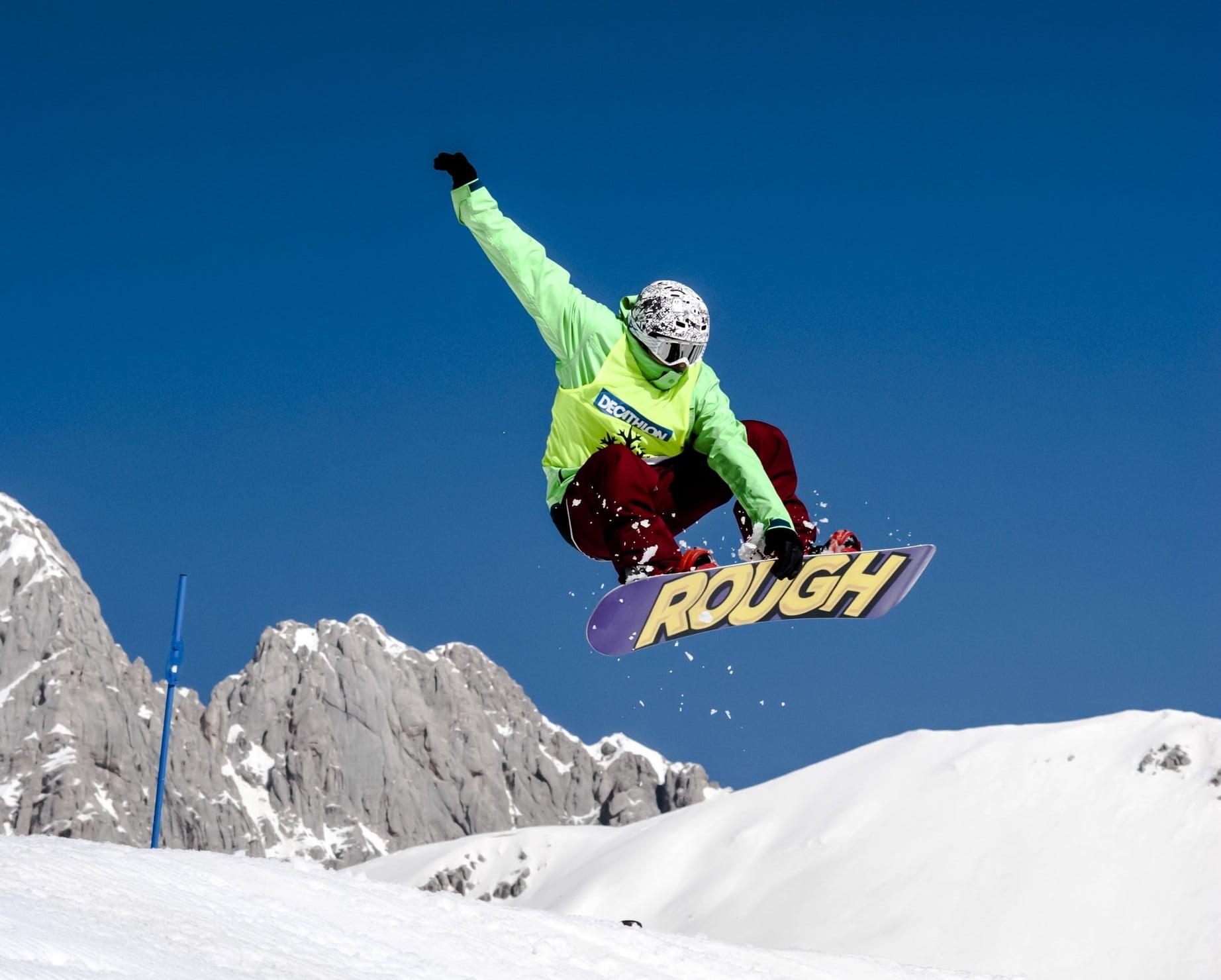 Afbeelding Freestyle Snowboarder die Indy Grab doet