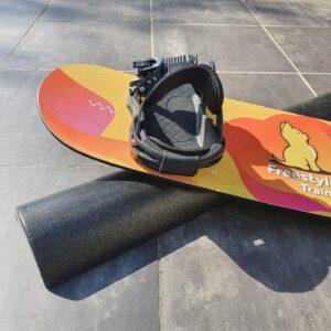 The Big Fat Tube om rails te oefenen met freestyle snowboard kit