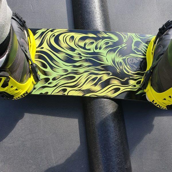 Tube snowboard